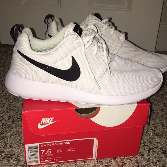 eca412a20743 Nike Roshe one sneakers. M 5a5a040900450f46068c7b5c